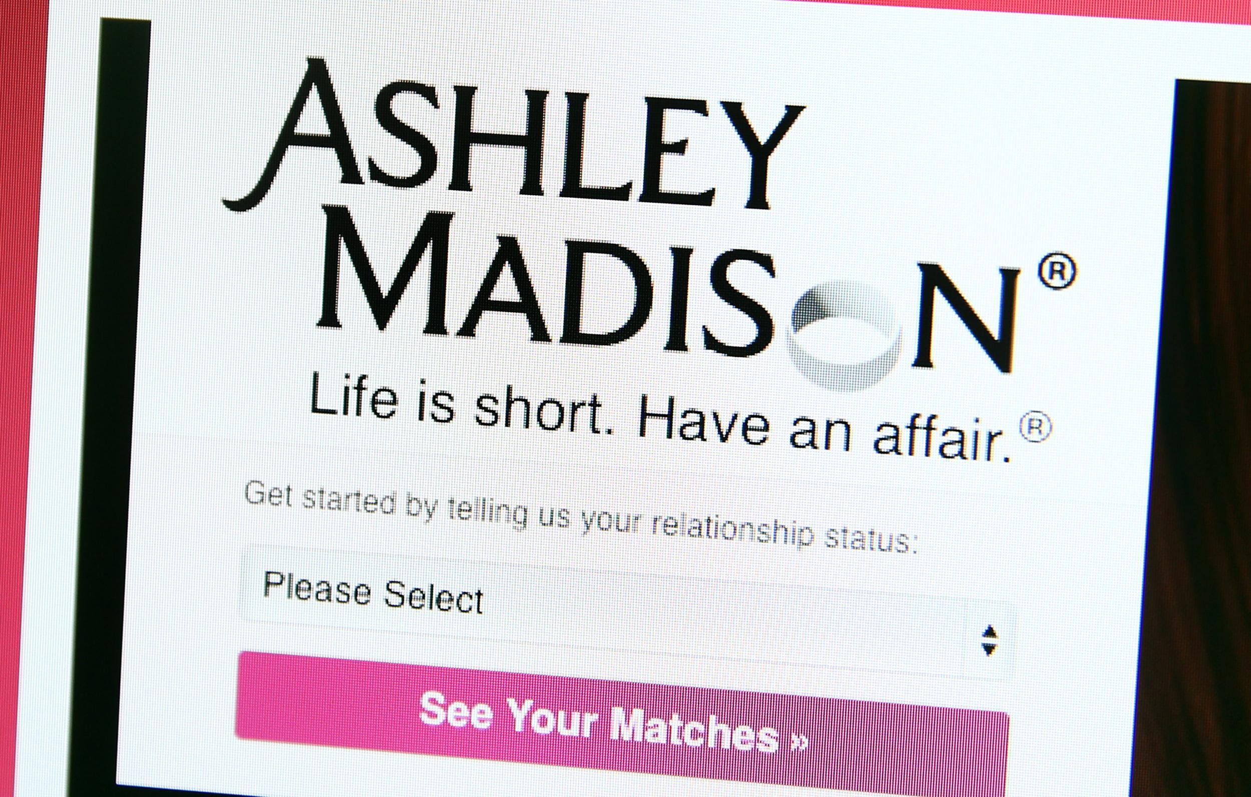 Ashley Madison investigated over allegations it conned users with female  bots | The Independent