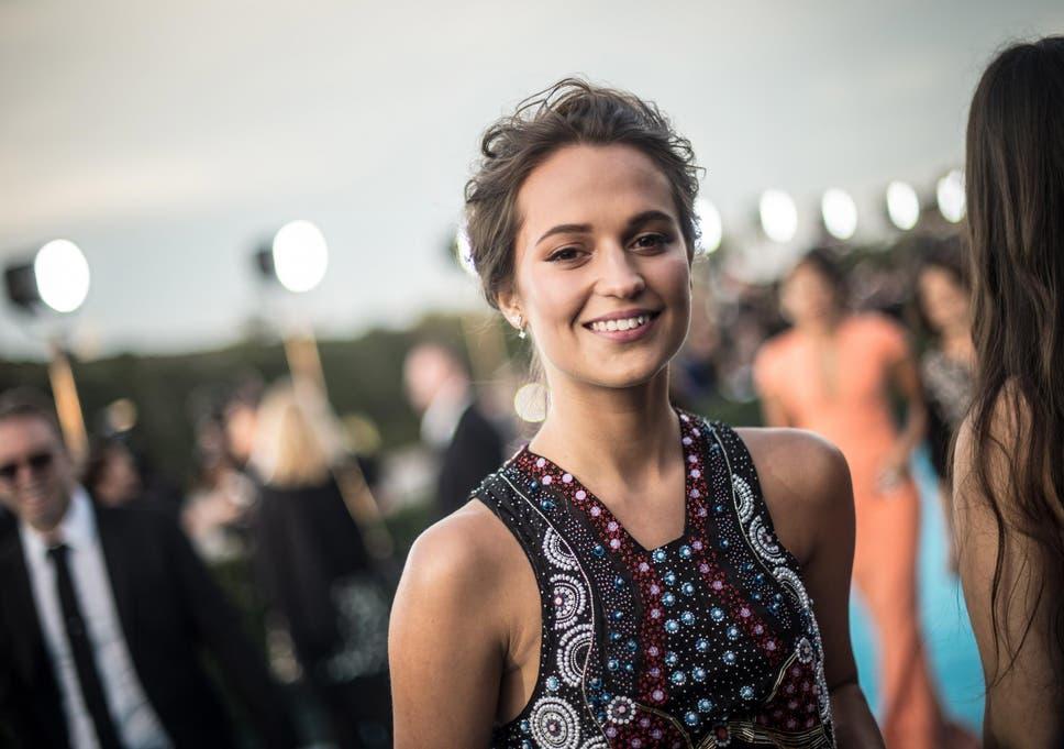 2d4853cca Tomb Raider release date  Alicia Vikander s film knocks off ...