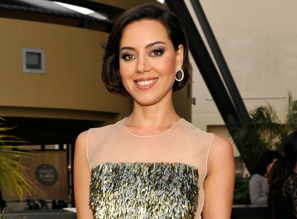 Aubrey Plaza Discusses Her Sexuality I Fall In Love With Guys And Girls The Independent The Independent