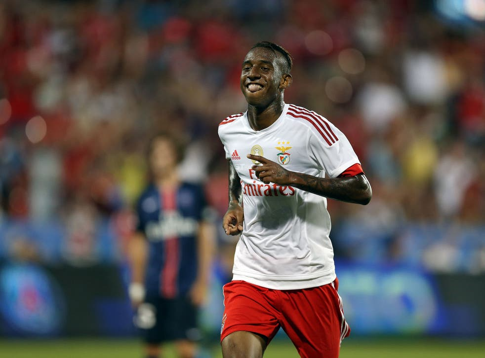 Talisca celebrates for Benfica