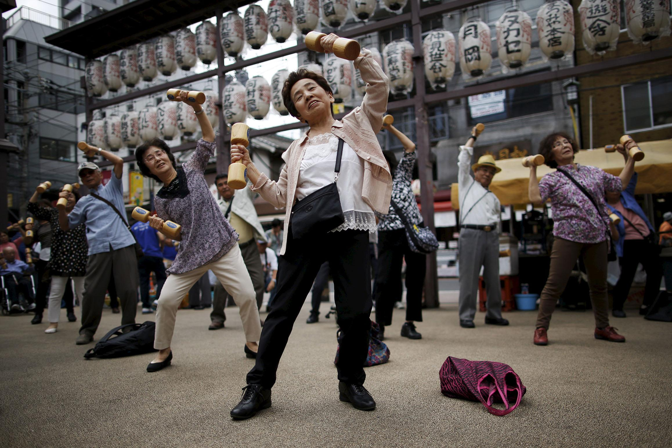 Japanese may soon need to work until 80 as population ages