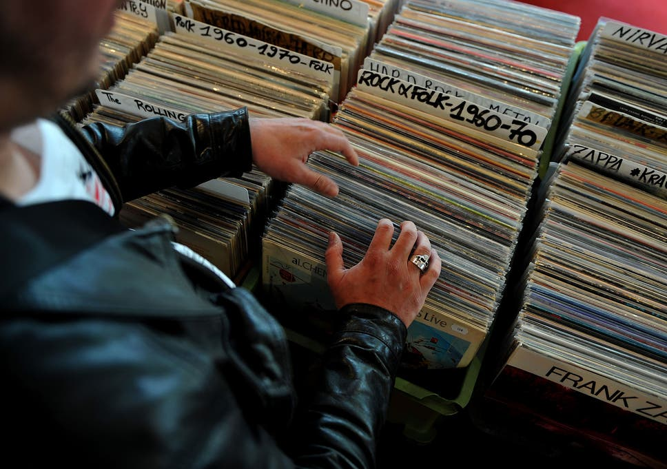 Vinyl album sales out-perform digital downloads for first