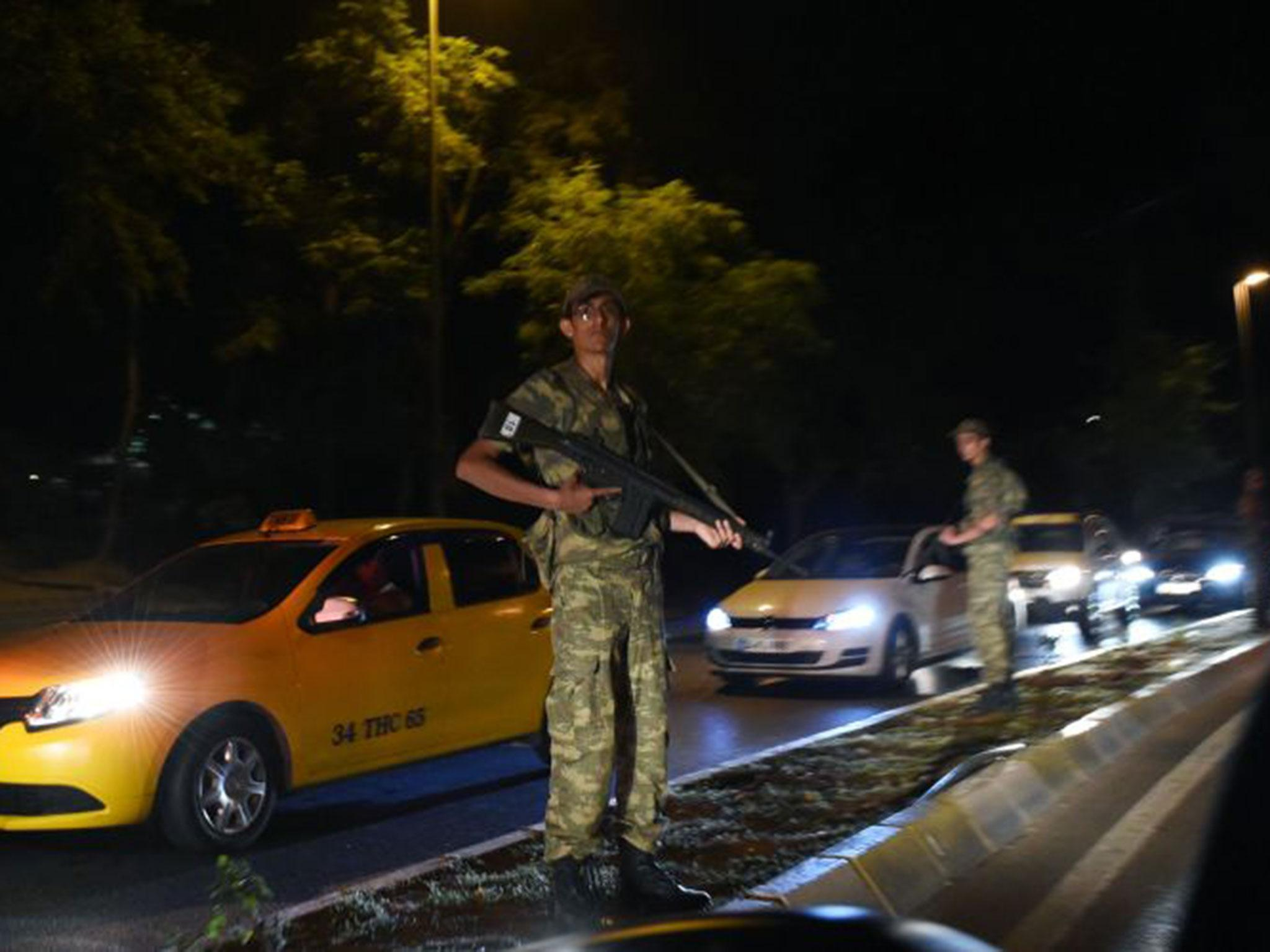 Turkish military 'close down bridges in Istanbul and low-flying jets seen over Ankara'