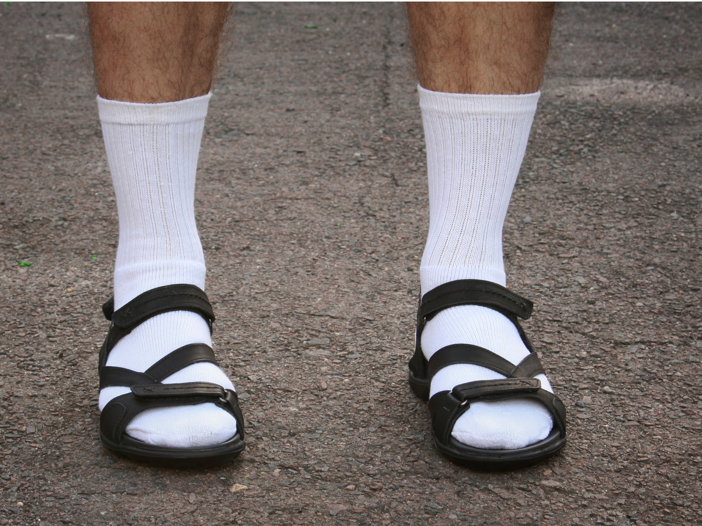 https://static.independent.co.uk/s3fs-public/thumbnails/image/2016/07/18/13/socks-with-sandals.jpg