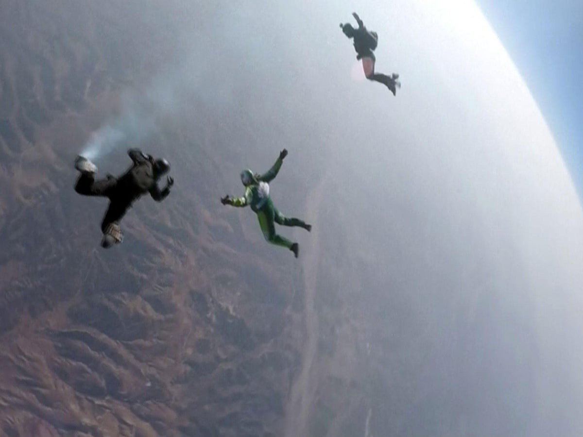 pierde in greutate skydiving)