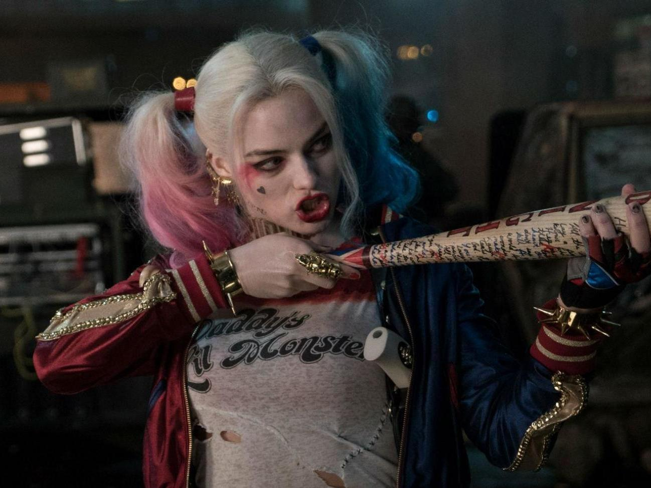 Suicide Squad Margot Robbies Harley Quinn Hotpants So Tiny They Were Photoshopped To Look Longer In Trailers