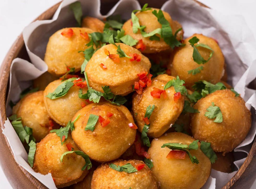 Pastel de queijo cna be stuffed with any from meat to cheese or sweet fillings