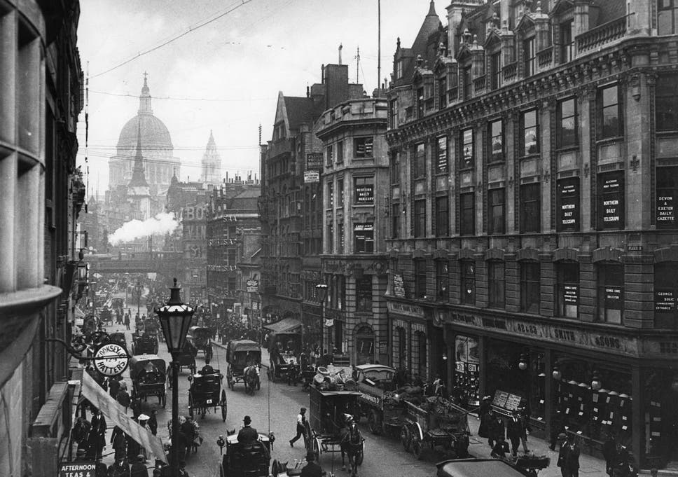 Looking Down Fleet Street Towards St Pauls Cathedral In