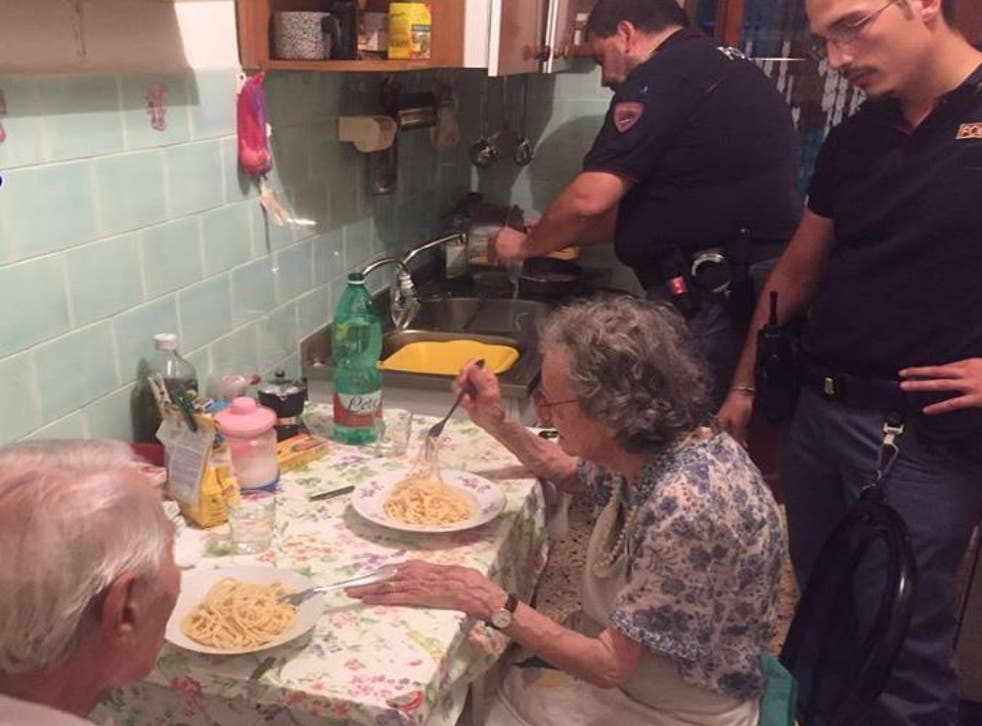Andrea, Alessandro, Ernesto and Mirko made friends with Jole and Michele when they went round on a police visit