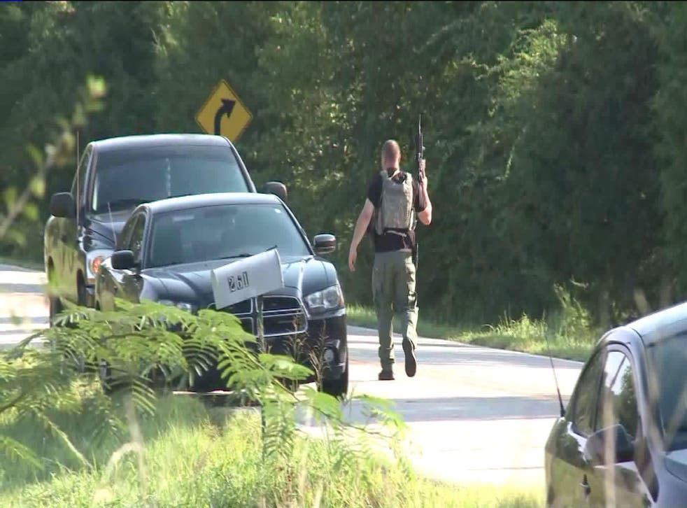 Heavily armed police have rushed to the scene of the incident in the west of Arkansas
