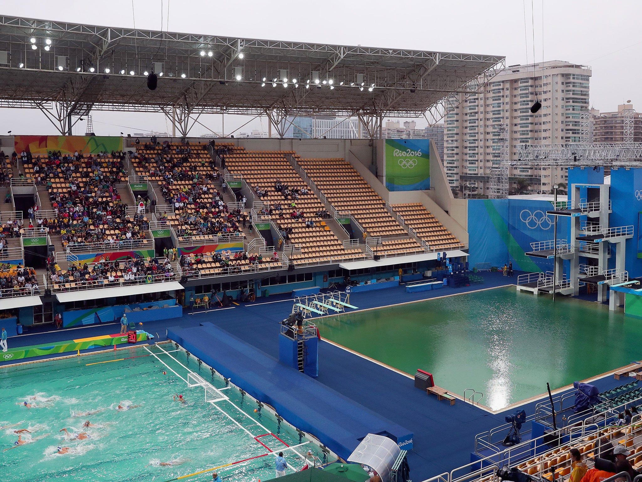 rio 2016 olympic water polo pool becomes second to turn green the independent