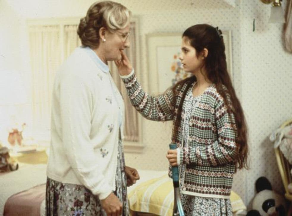 Robin Williams and Lisa Jakub in Mrs. Doubtfire