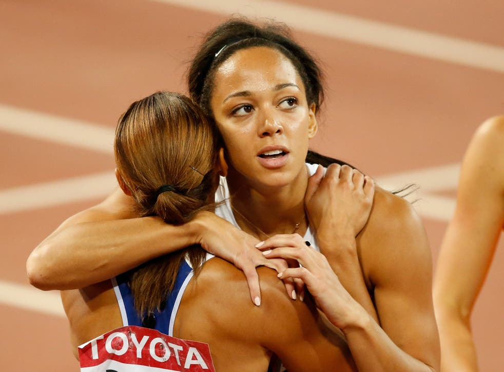 Johnson-Thompson and Ennis-Hill embrace at 2015 World Championships