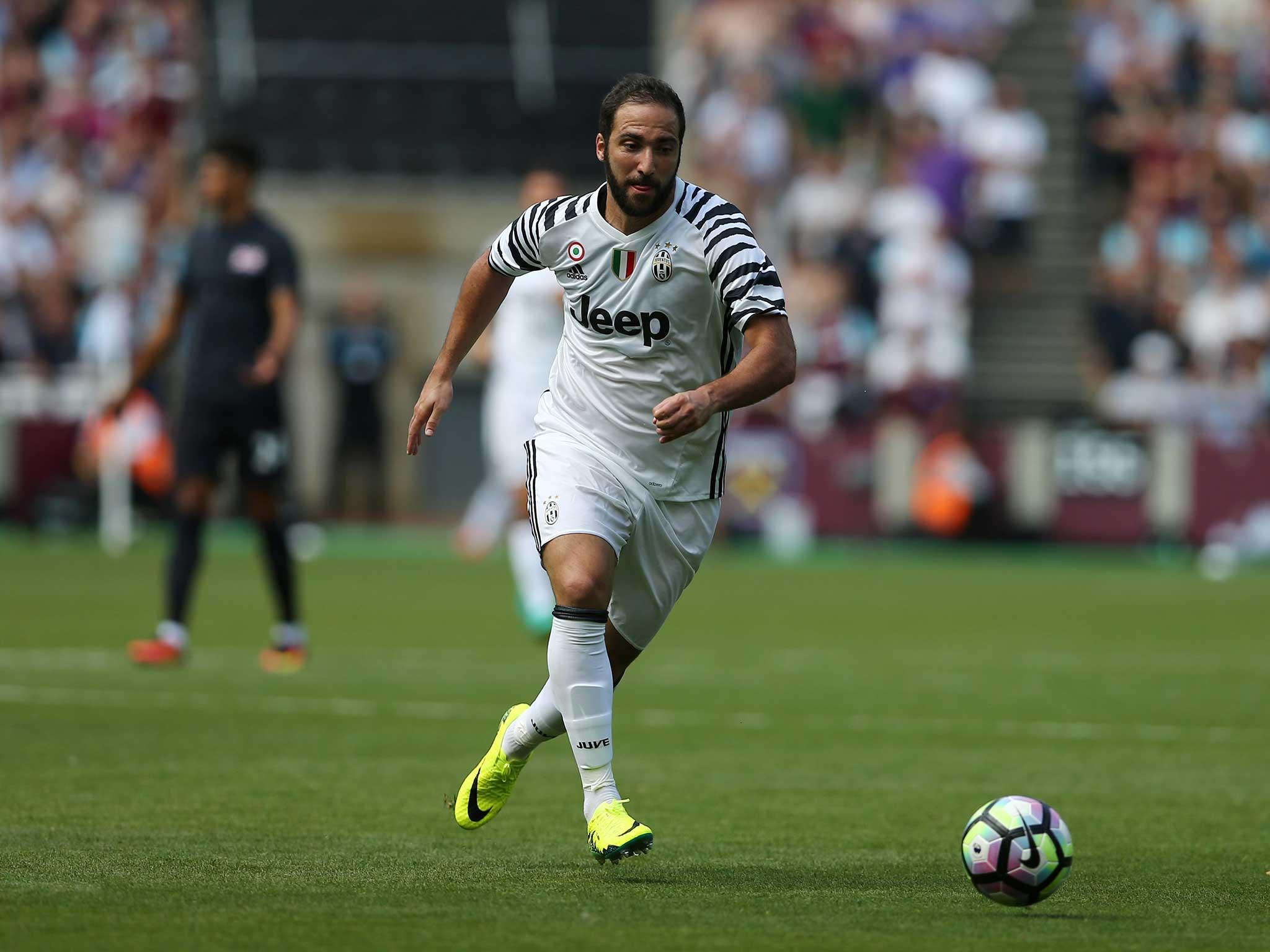 Gonzalo Higuain arrived as a little pig at Juventus after £75 35