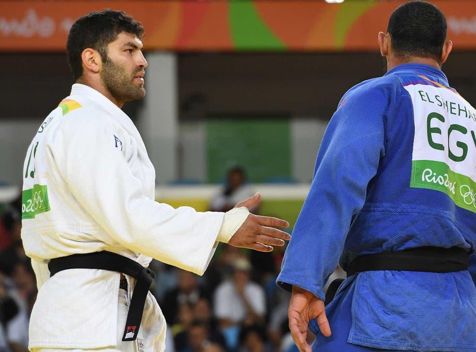 Islam El Shehaby refuses to shake Or Sasson's hand