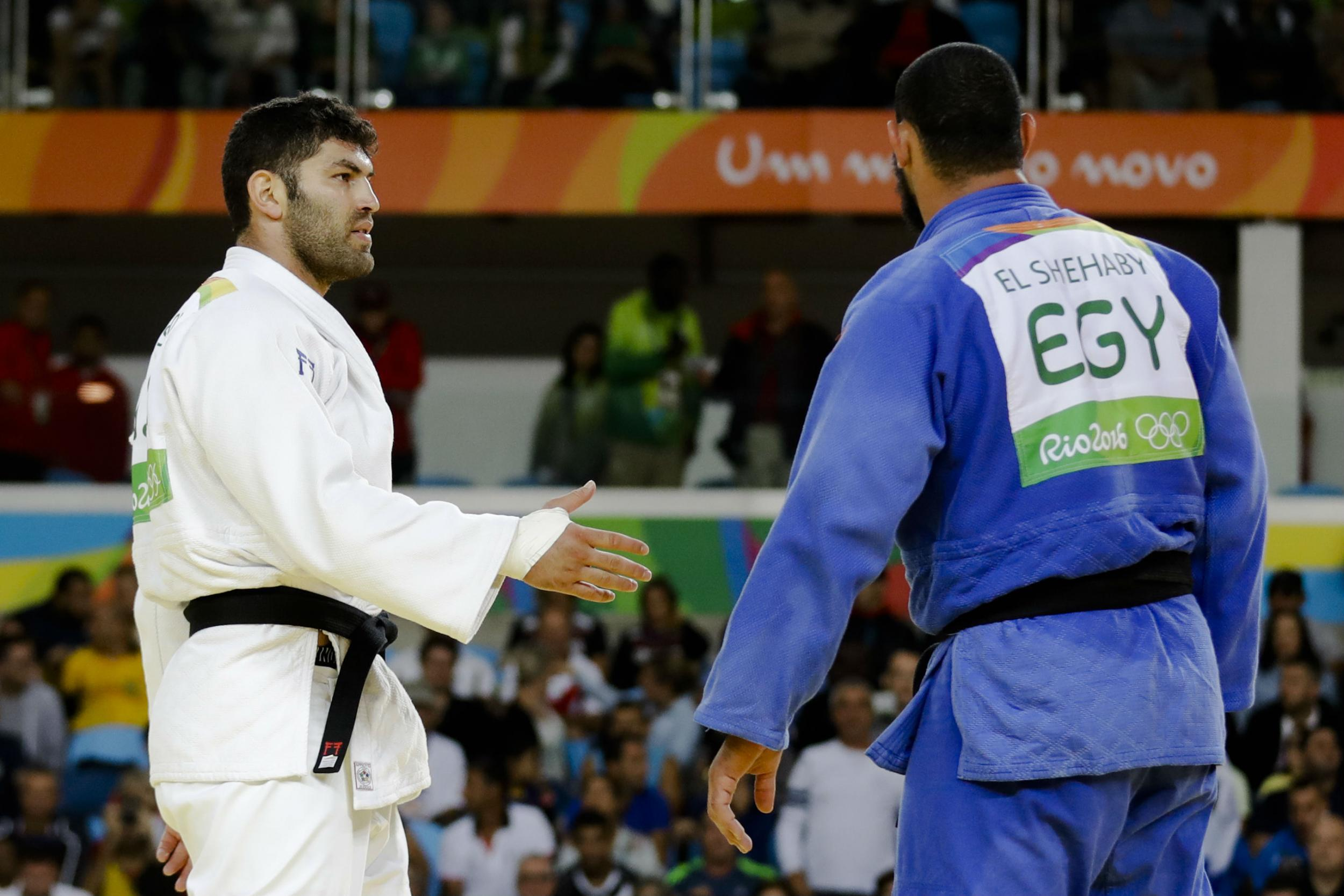 Rio 2016: Egyptian judoka sent home after refusing to shake hand of Israeli opponent