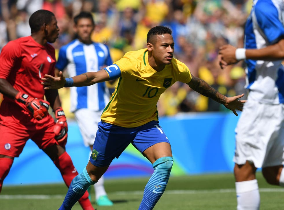 Neymar celebrates opening the scoring after just fifteen seconds