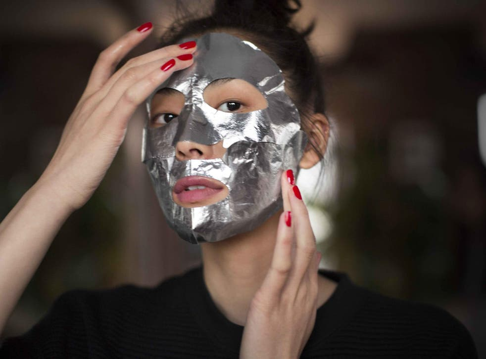 Estée Lauder's Advanced Night Repair Power Foil Mask is an intense treatment to reset the look of your skin