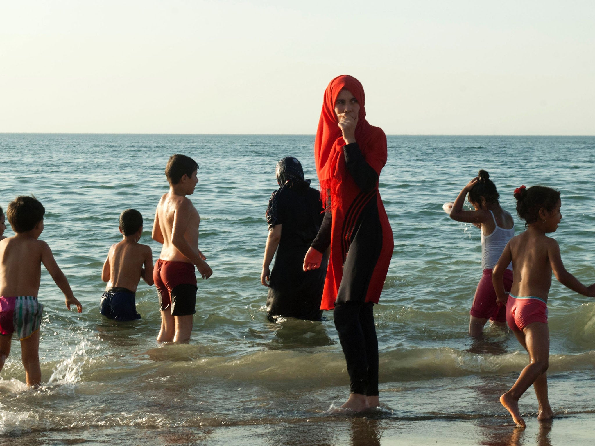 2a7e83dbff7 Burkini ban: Why is France arresting Muslim women for wearing full-body  swimwear and why are people so angry? | The Independent