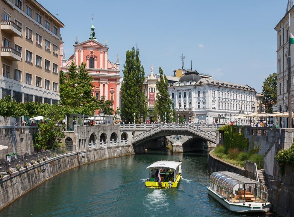 The Ljubljanica slices through the city