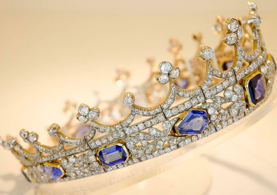 Queen Victoria wedding coronet could leave UK unless British buyer ...
