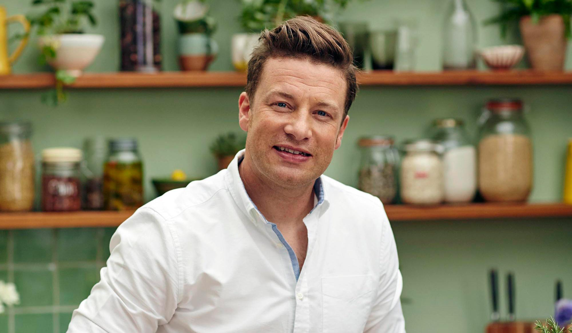 jamie oliver to shut six jamie 39 s italian restaurants amid