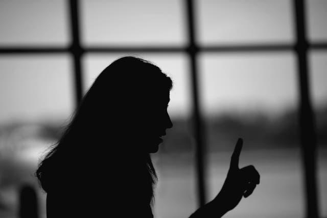 Las víctimas de violencia sexual deberían poder conocer a sus atacantes, dicen los parlamentarios, pero los críticos argumentan que la justicia restaurativa puede ser 'inútil' para las víctimas