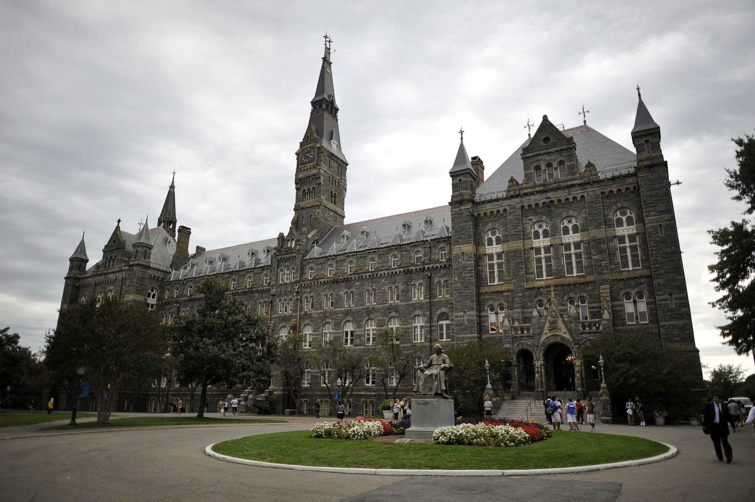 Campus: on Looks saina georgetown university recommendations dress in everyday in 2019