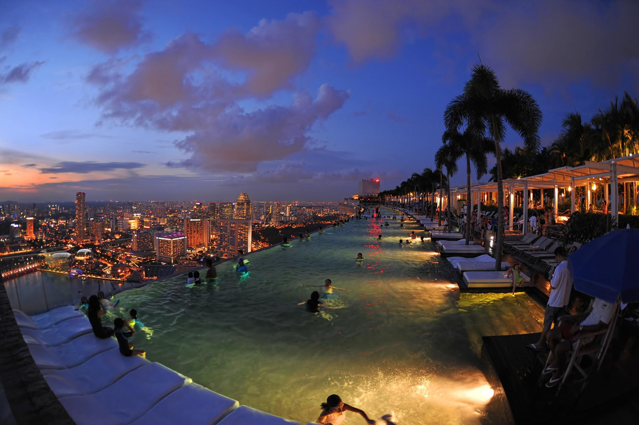 Top 10 singapore 39 s best swimming pools the independent - Singapore famous hotel swimming pool ...