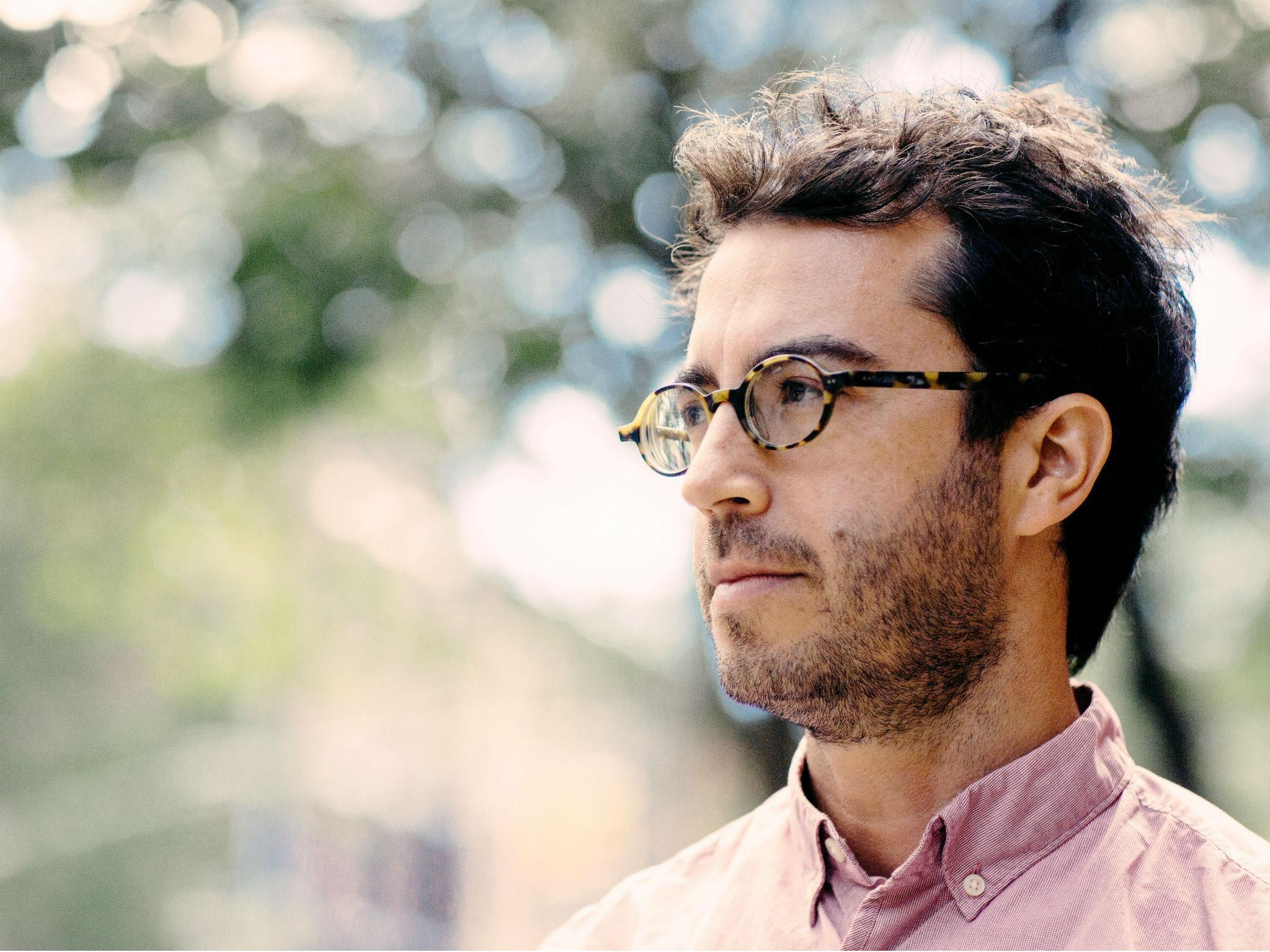 jonathan safran foer essay Everything is illuminated, by jonathan safran foer, was published in 2002 and is still on many bestseller lists foer was born in washington dc in 1977.