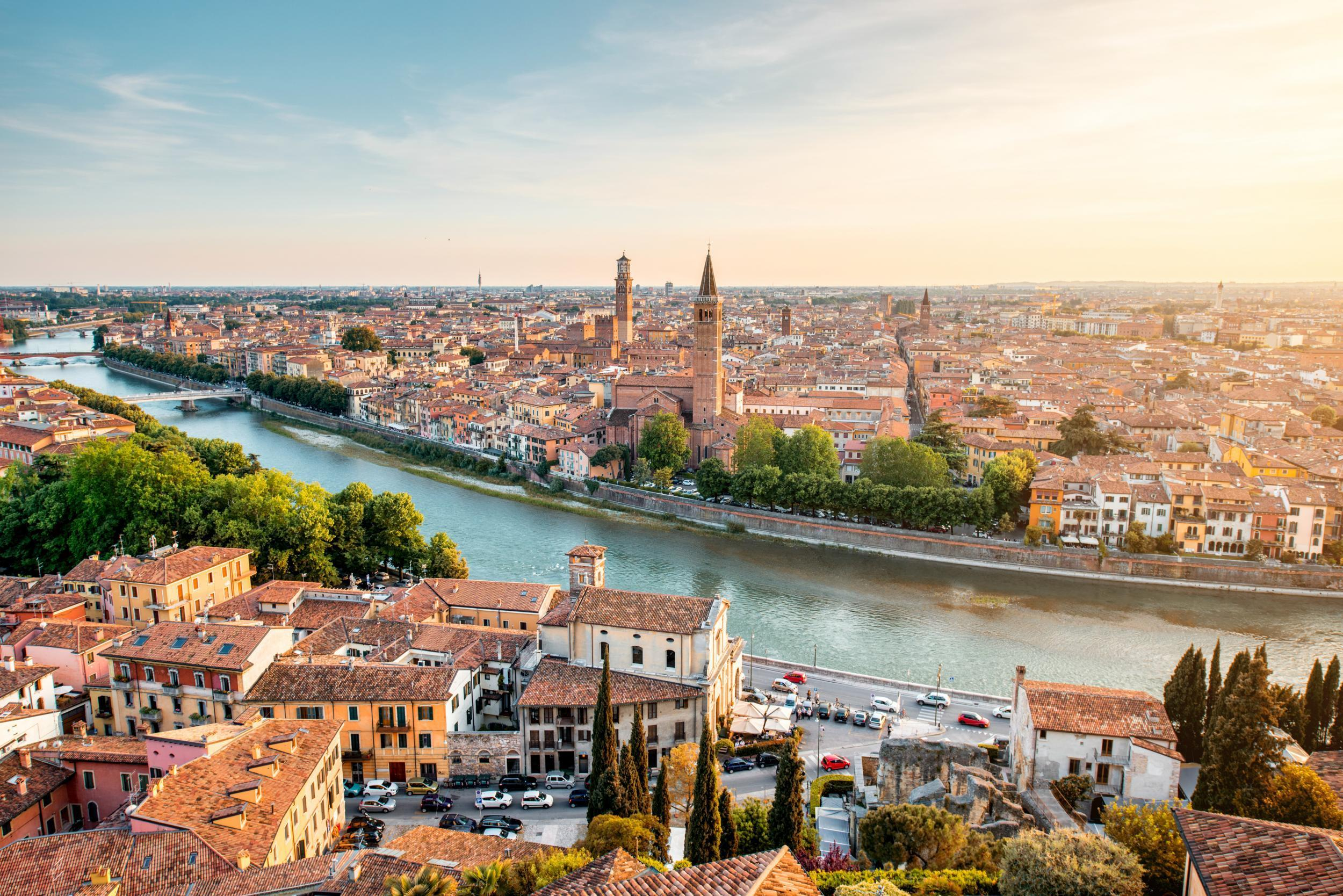 48 hours in verona hotels restaurants and places to for Designhotel verona