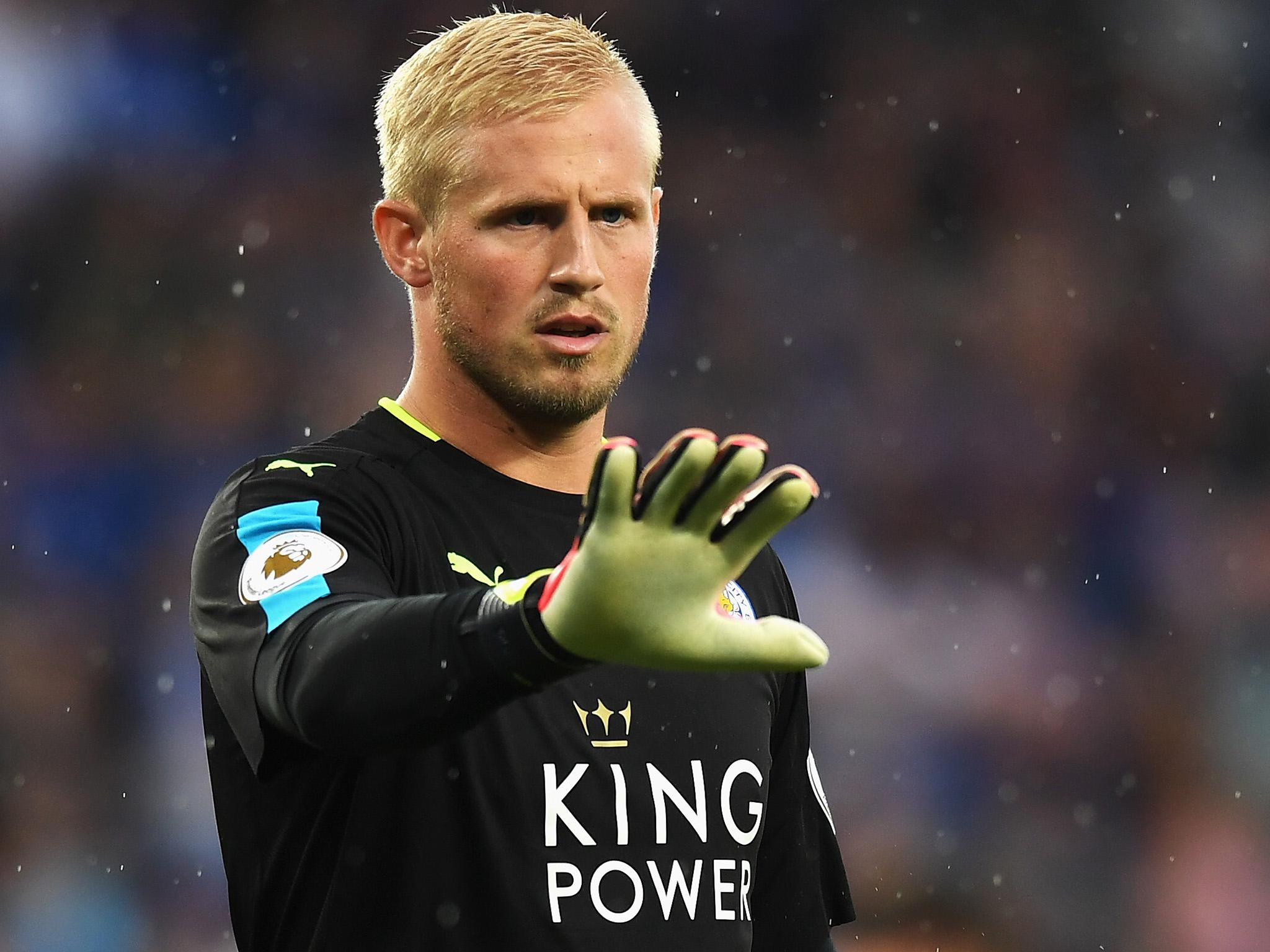 Leicester goalkeeper Kasper Schmeichel faces six weeks out with