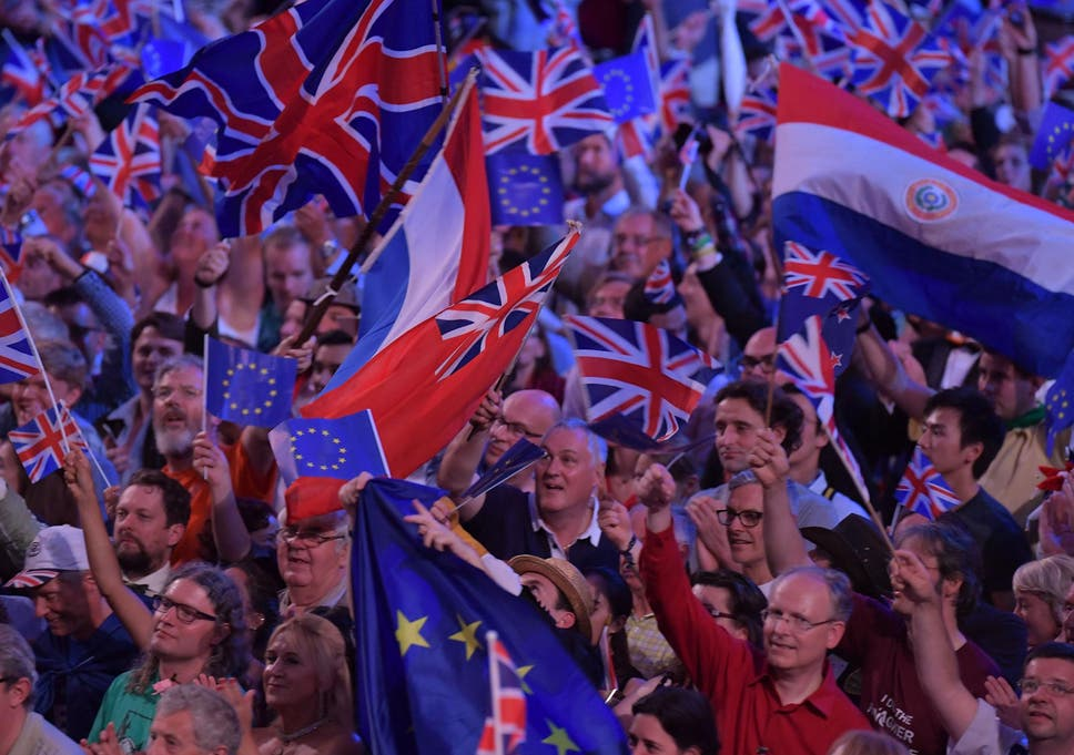 0b9b732d67 Brexiteers furious over thousands of EU flags handed out at Last Night of  the Proms
