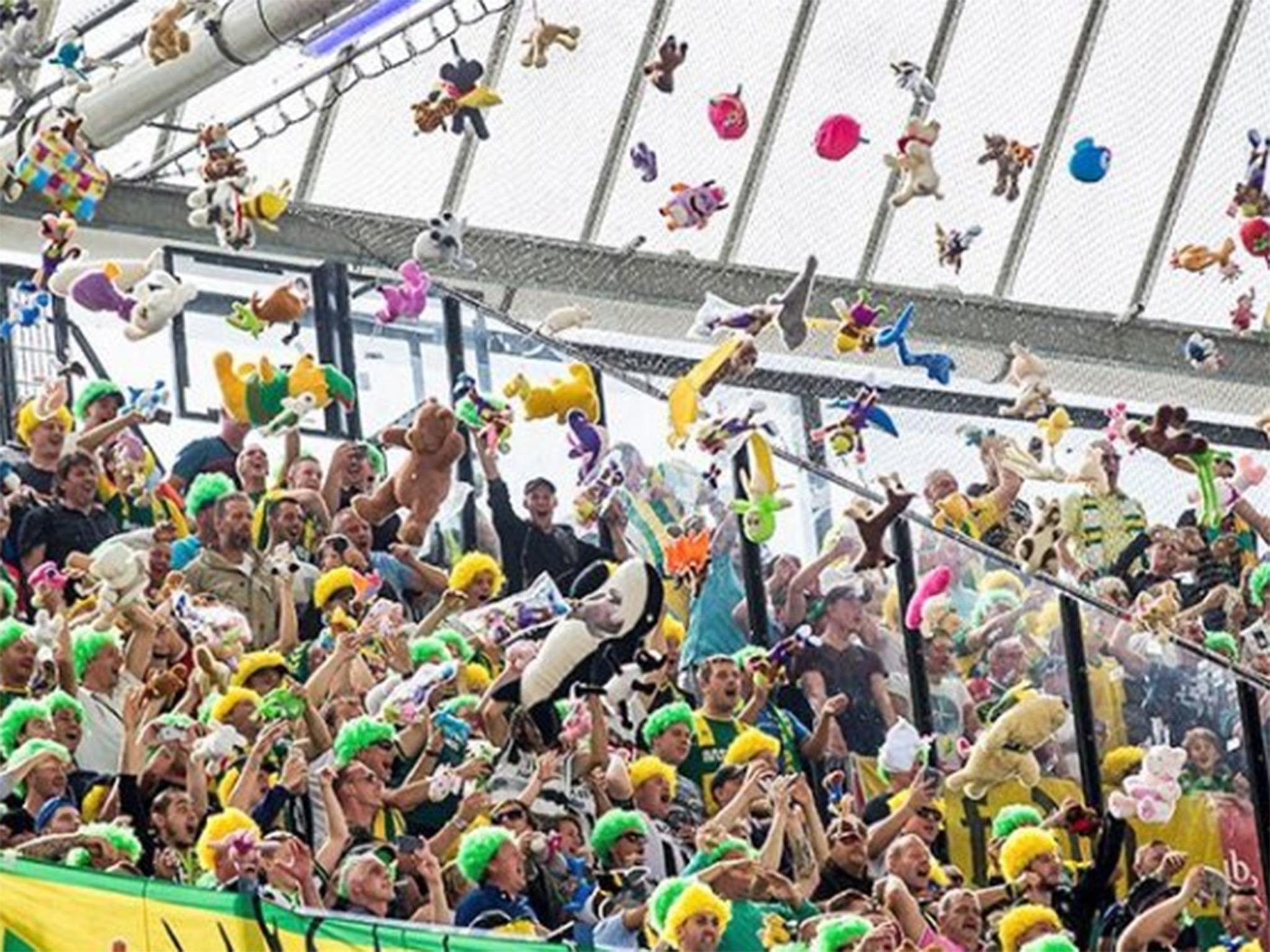 Den Haag Fans Bombard Feyenoord Rivals With Teddy Bears During Eredivisie Match The Independent The Independent