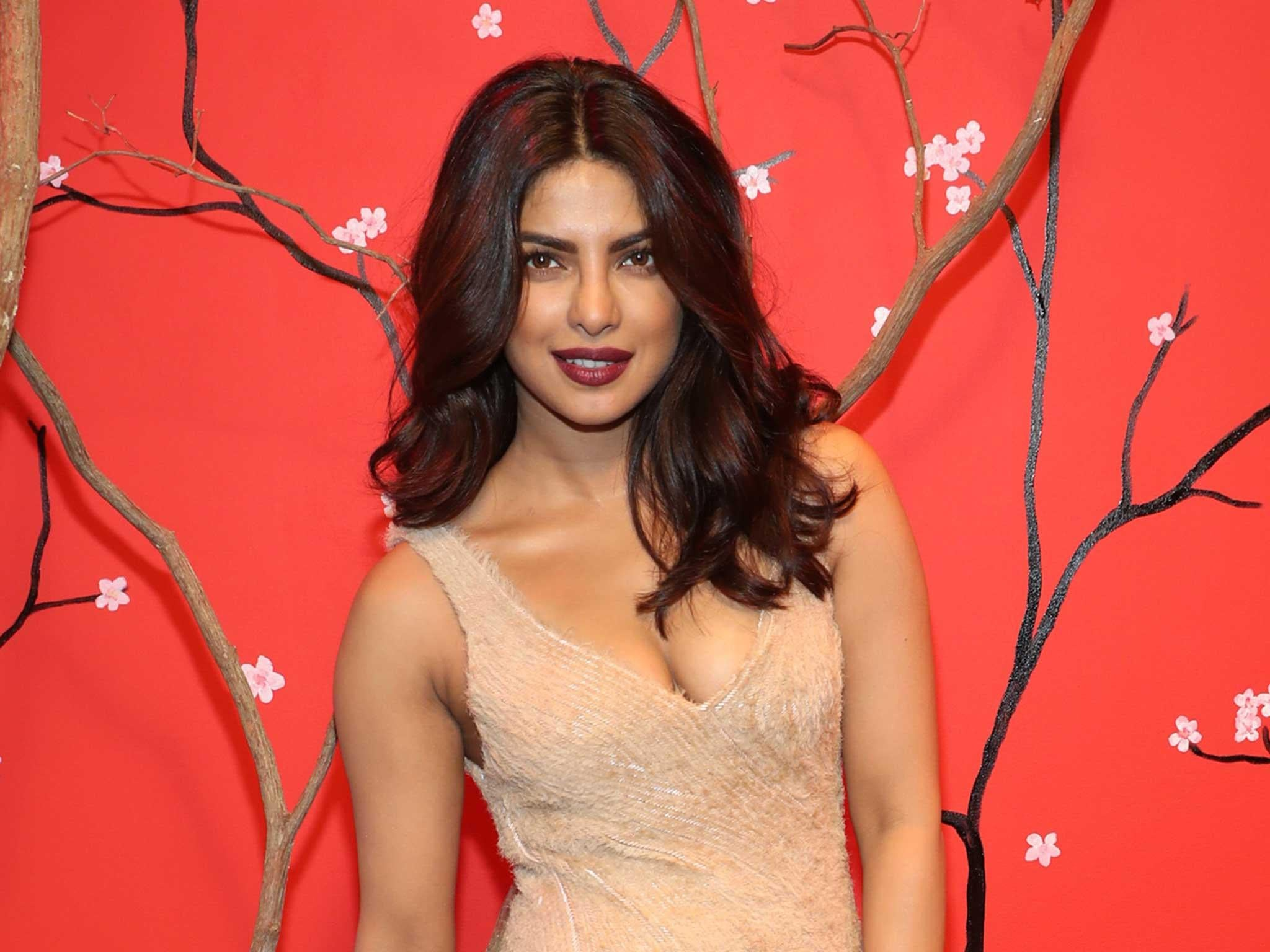 priyanka chopra 'feels horrible' after backlash for wearing
