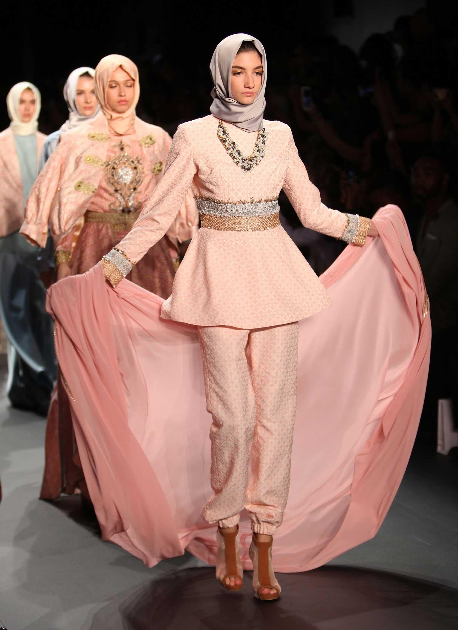 Watch Fashion Show Insults Islam video