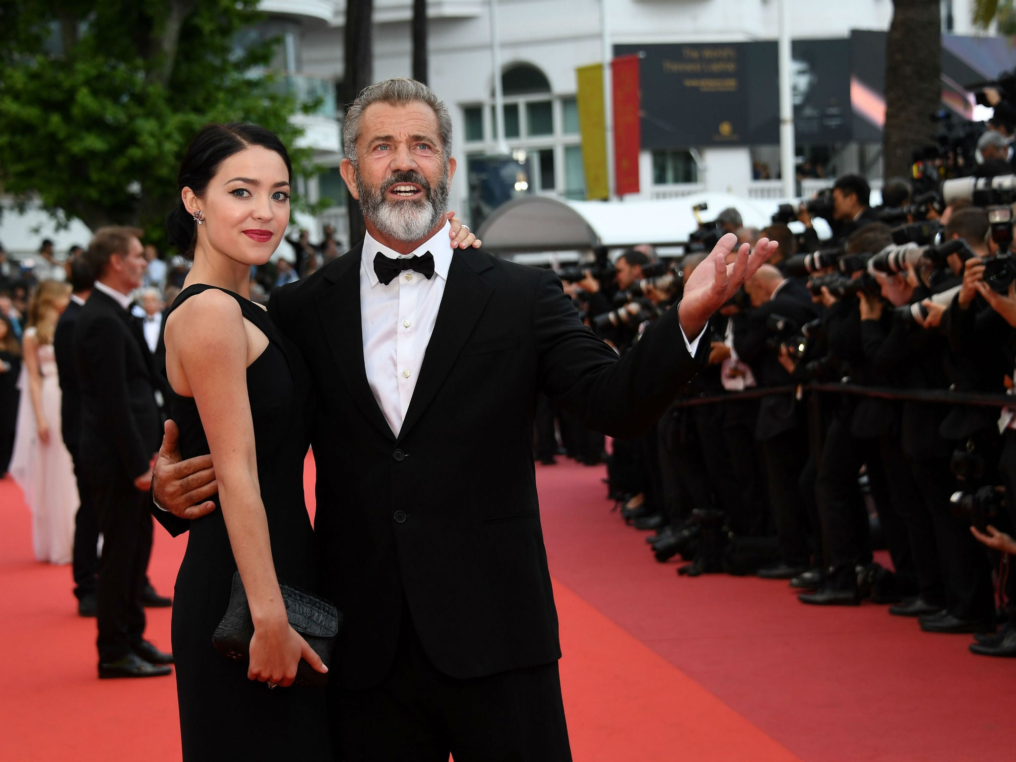 60-year-old Mel Gibson will be the father for the ninth time 09/17/2016 56