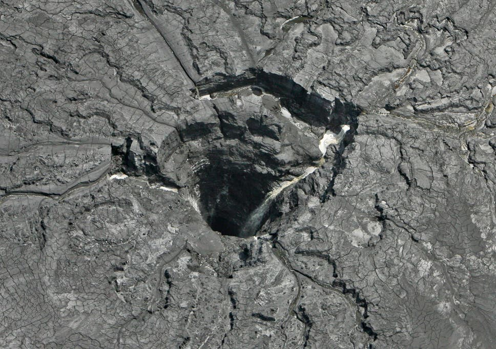 Huge sinkhole causes water contaminated with radioactive