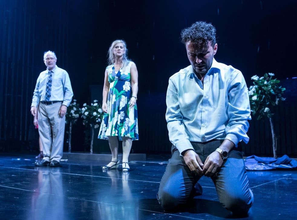 Ewan Stewart (Bob Price), Imogen Stubbs (Fran Price) and Richard Mylan (Ben Price) in Things I Know to Be True