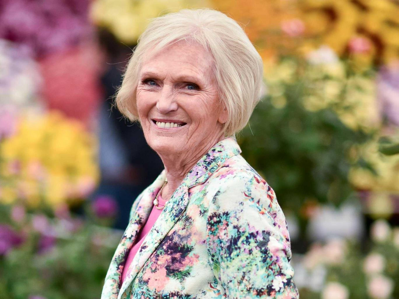 Mary berry everyday ex the great british bake off judge for Mary berry uk