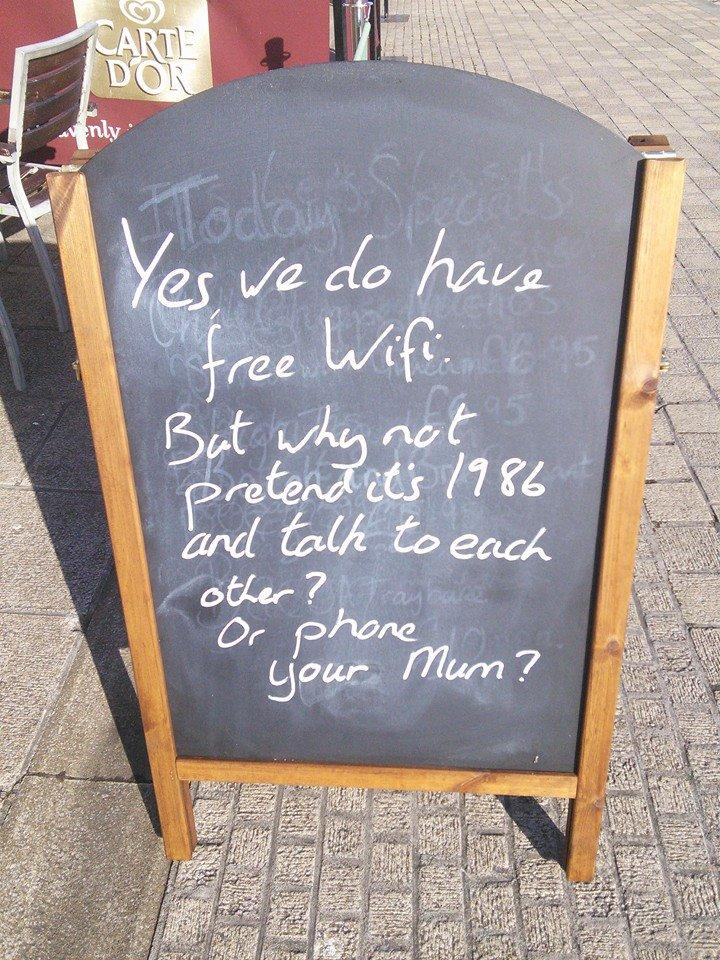 The sign outside this café is simply pun-derful | indy100