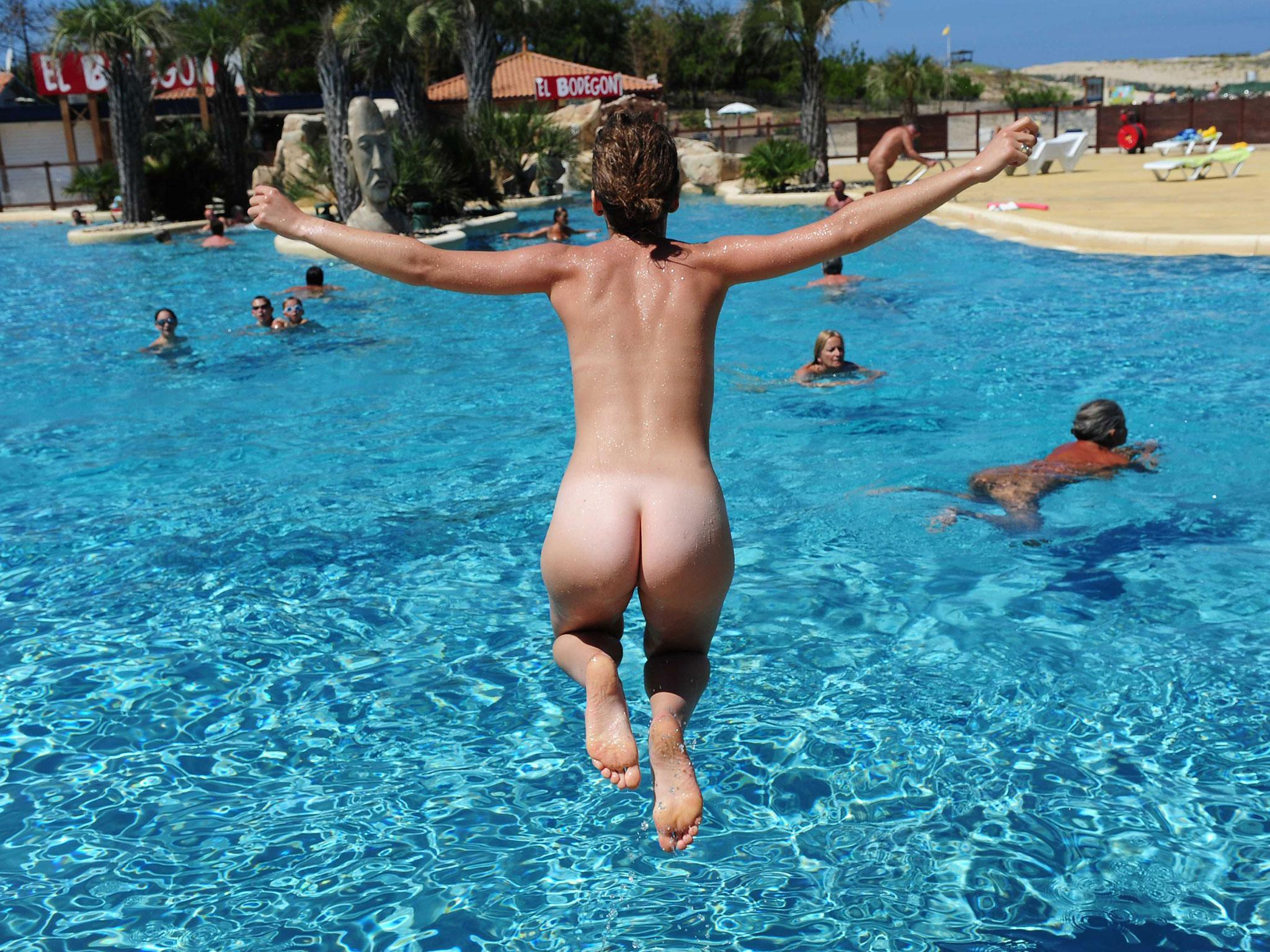 How To Get Naked In France - TripSavvy