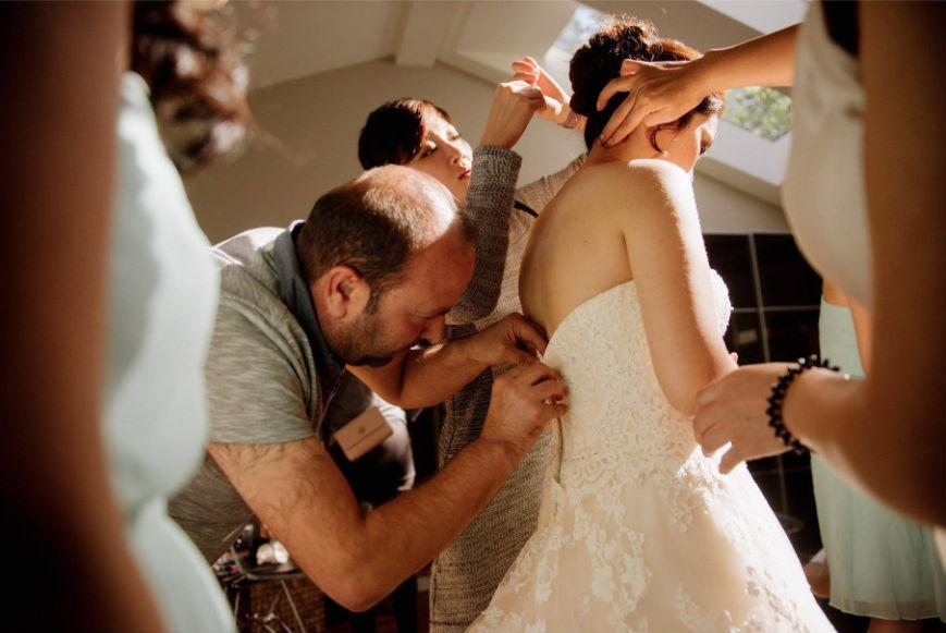 Refugee who was master tailor in Syria comes to rescue of Canadian bride who suffered last minute dress malfunction