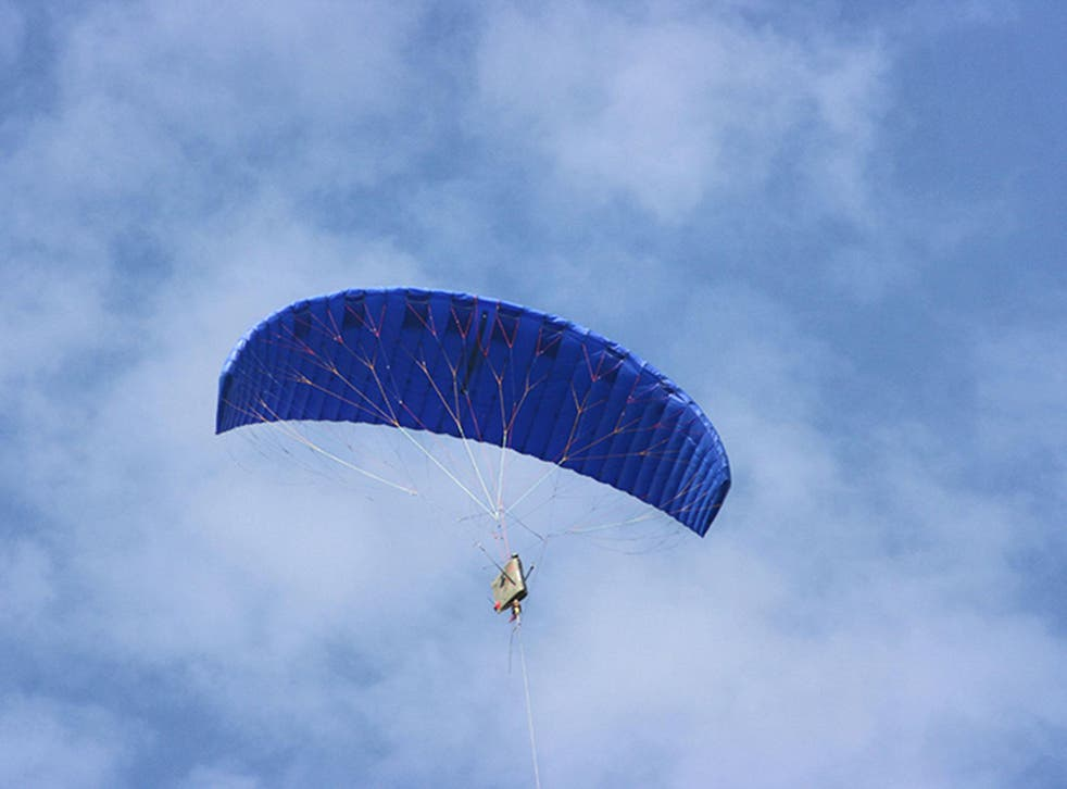 The kite is flown in a figure-of-eight pattern with the tether driving a turbine as it rises