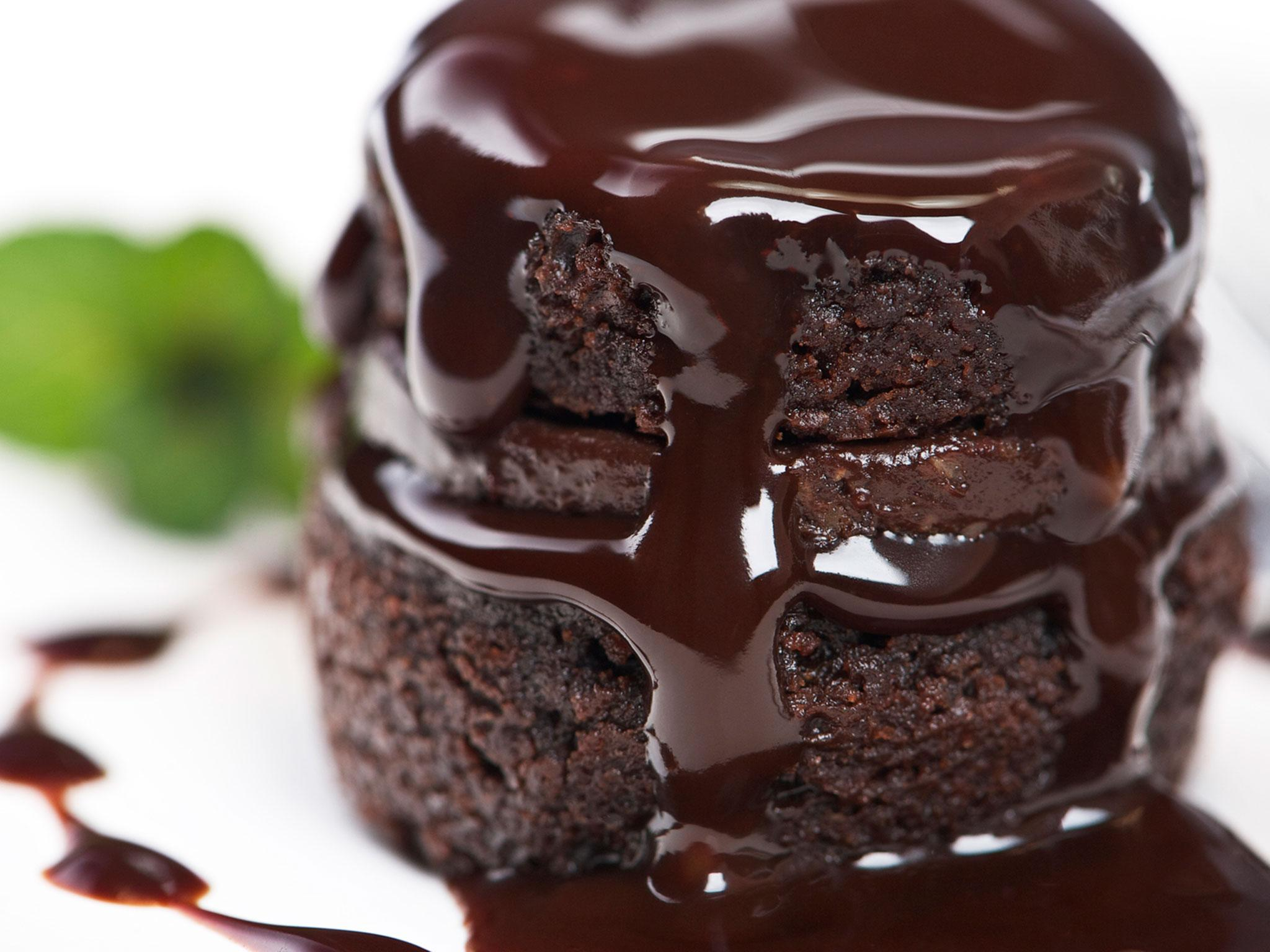 Chocolate cake for breakfast the food trend that may actually be coming in 2017 the independent - Herve cuisine cake chocolat ...