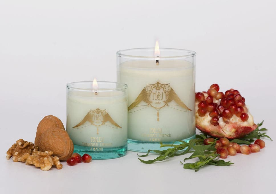 64c69a42efd 14 best scented candles for autumn