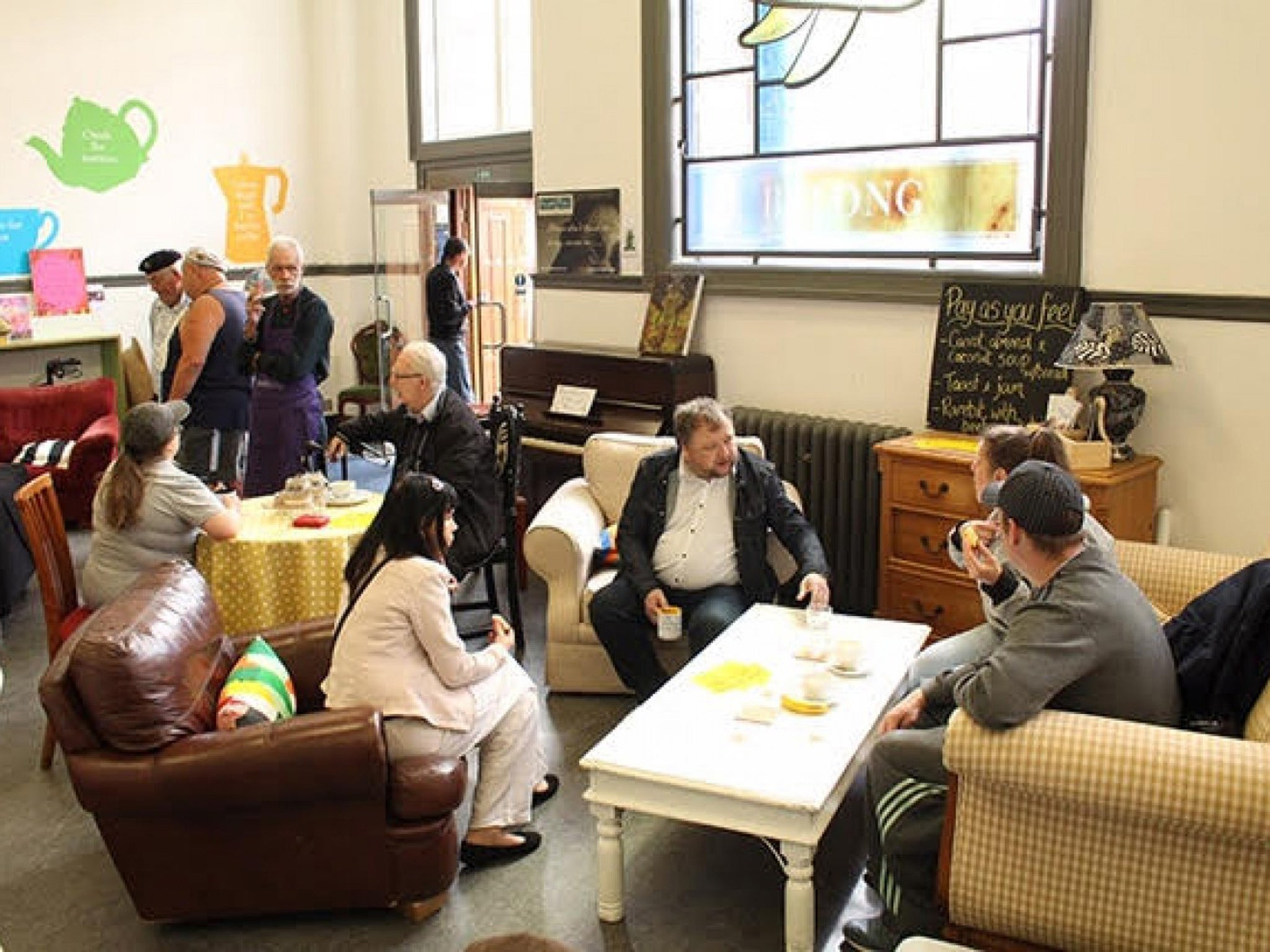 A living room in a library helps people through their - How do you say living room in spanish ...