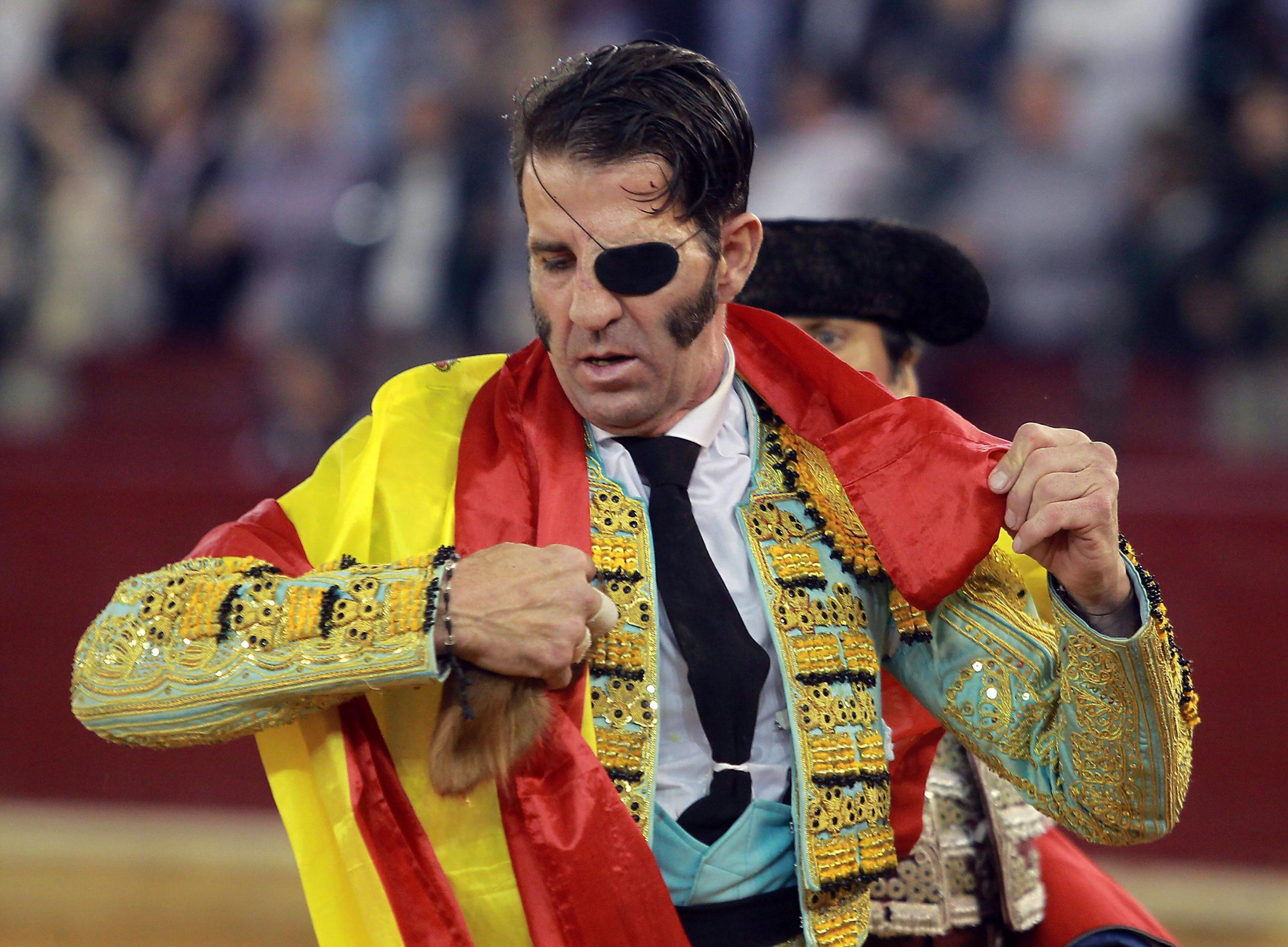 One Eyed Spanish Matador Gets Gored In The Eye Again Indy100