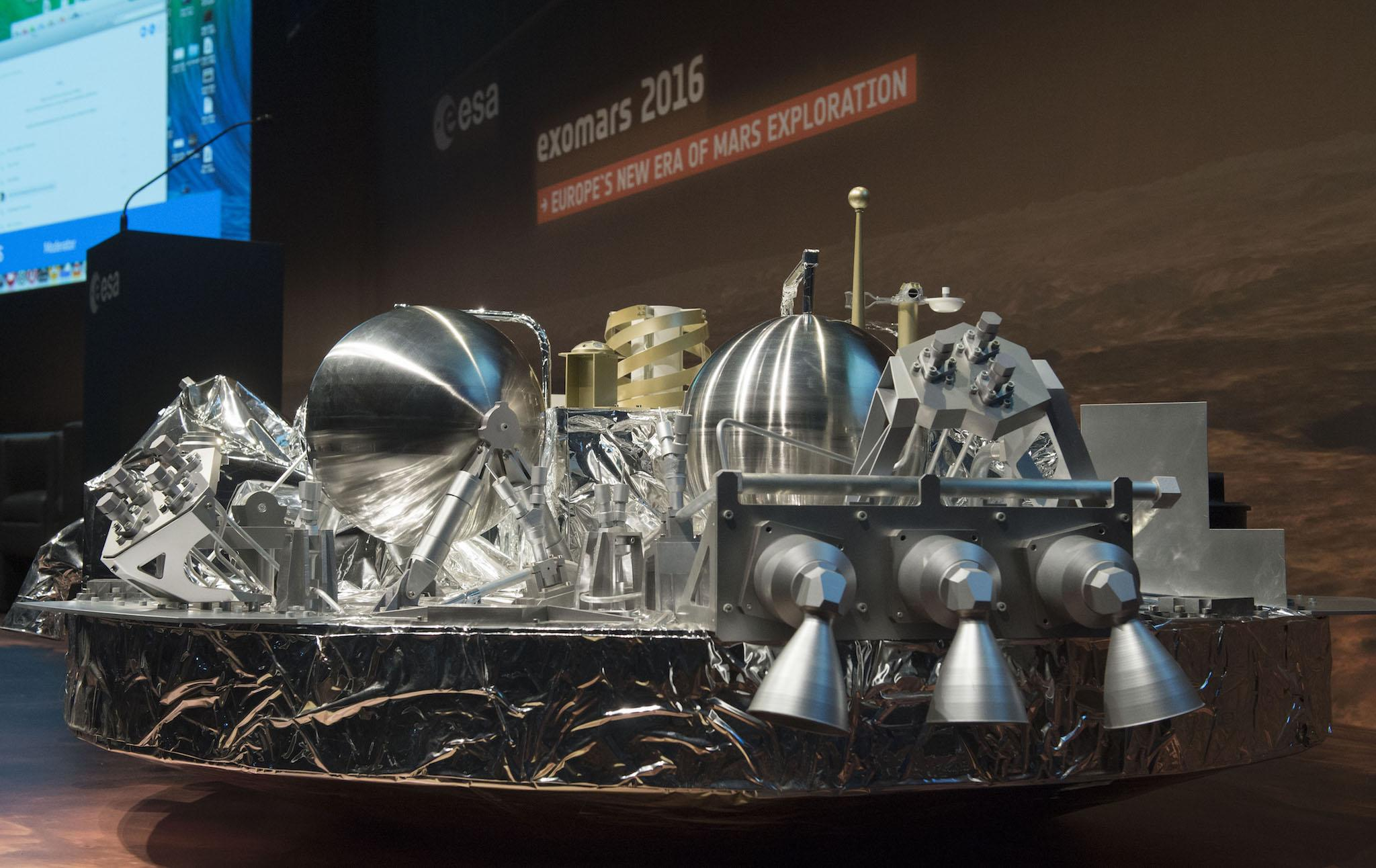 ExoMars mission: Schiaparelli robot probe doesn't send message to Earth as expected, potentially meaning it is lost