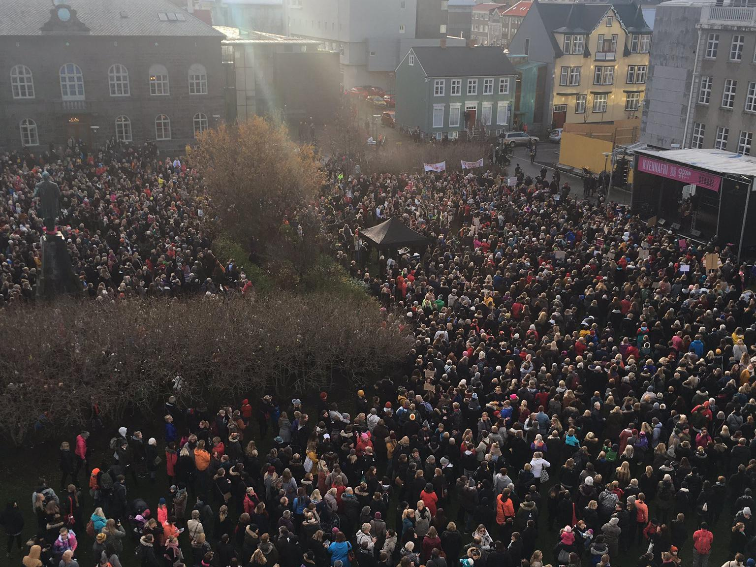 Iceland's women leave work at 2.38pm to protest gender pay gap